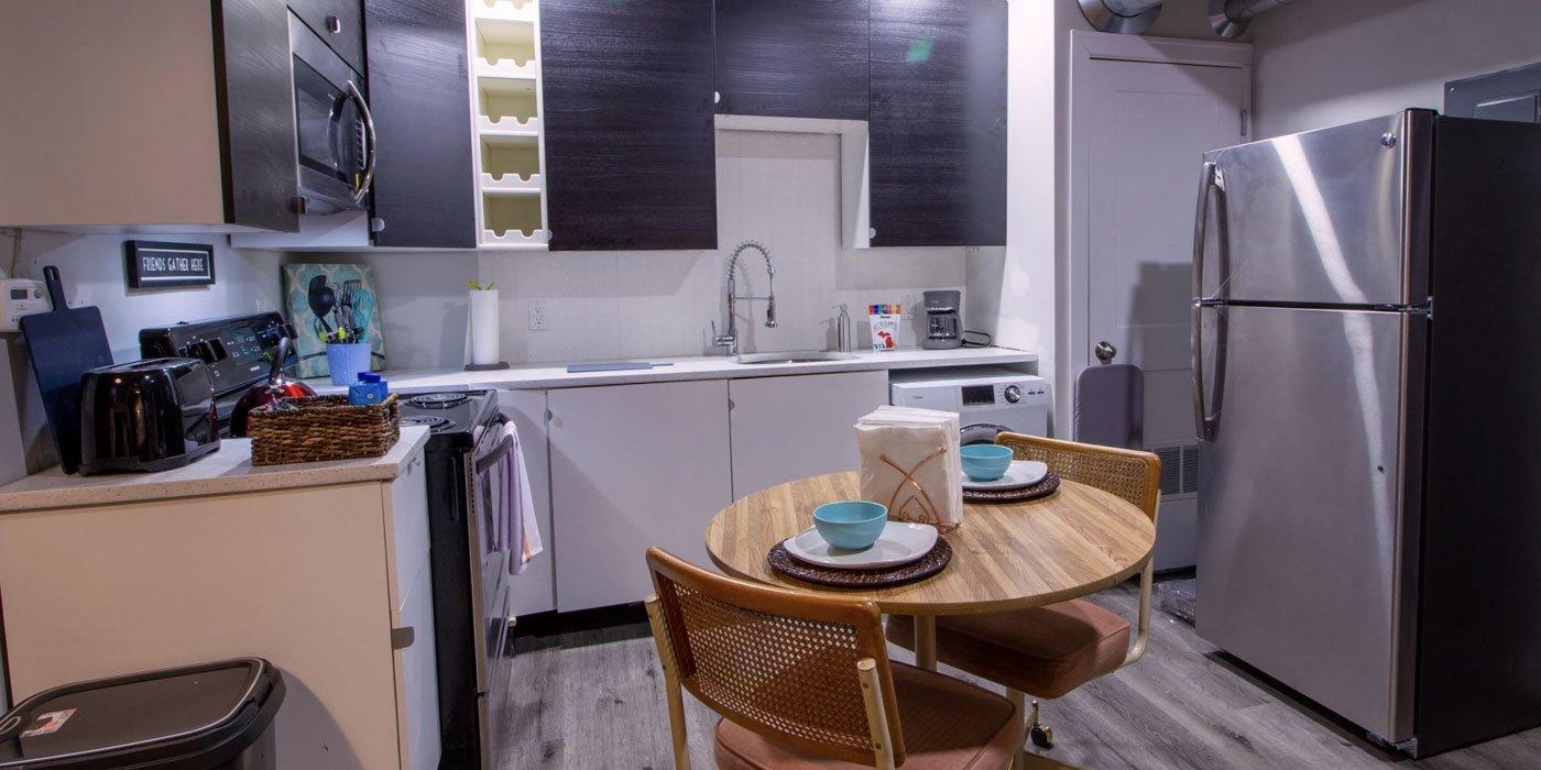 elaine-lofts-furnished-kitchen-1